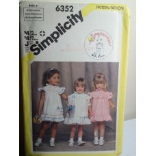 Simplicity Sewing Pattern 6352