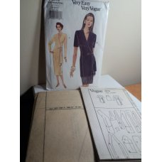 Vogue Sewing Pattern 8976